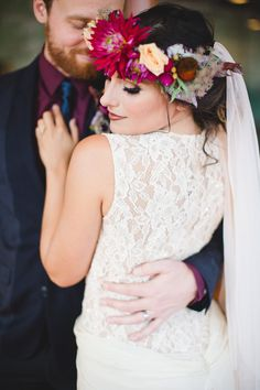 Lace Wedding Dress | Moody Wedding Inspiration | Izzy Hudgins Photography | Bridal Musings Wedding Blog