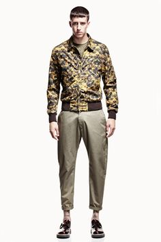 Welcome to the official online flagship for the Alexander McQueen fashion house. Discover designer clothing and accessories for men and women. Fashion Brand, Mens Fashion, Fashion Design, English Fashion, Summer Lookbook, My Man, Camouflage, Alexander Mcqueen, Khaki Pants