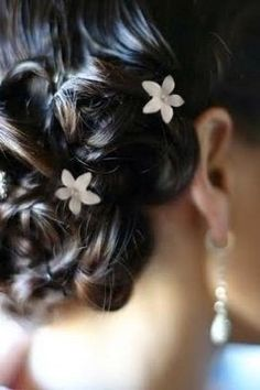 White Flower Bridal Wedding Hair Twister Coil Spiral Pins with Rhinestone Crystal Center (Pack of 8) http://www.amazon.com/Flower-Wedding-Twister-Rhinestone-Crystal/dp/B00U58FUXY/
