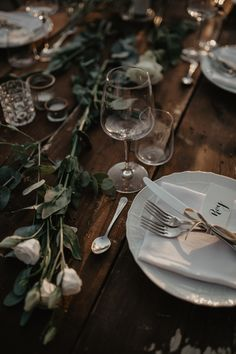 wedding Table wooden setting tuscany wedding - Federica Cavicchi Photography