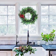 Christmas Cuisine - These Holiday Decor Instas Are So Festive - Photos