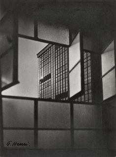 Henri Florence, Fenster von Bauhaus, Dessau, 1927 Bauhaus, Urban Photography, Abstract Photography, Florence Henri, Fan Ho, Dark Interiors, Through The Window, Urban City, Window Frames
