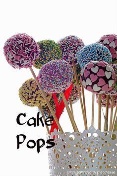 Przyjemność z pieczenia: Cake pops czyli ciasto na patyczkach Cake Pops, Nutella, Rum, Blog, Blogging, Rome, Cakepops, Cake Pop, Stick Candy