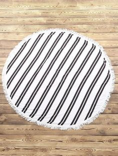 SHARE & Get it FREE | Striped Round Beach Throw - White And BlackFor Fashion Lovers only:80,000+ Items • New Arrivals Daily Join Zaful: Get YOUR $50 NOW!