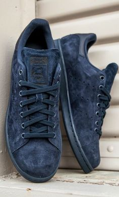 Adidas Women Shoes - adidas Originals Stan Smith: Midnight - We reveal the news in sneakers for spring summer 2017 Adidas Shoes Women, Adidas Sneakers, Shoes Sneakers, Women's Shoes, Shoes Men, Nike Women, Dance Shoes, Adidas Originals, Comfy Shoes