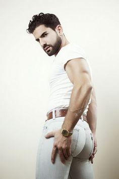 Rear view of white 501 Levi's. Ideal Man, Perfect Man, Fashion Moda, Fashion Pants, Men Fashion, Black Patent Shoes, Arab Men, Awesome Beards, Attractive Men