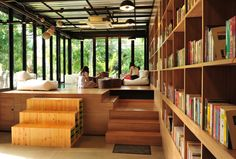 Librarista is good ideas coffee shop at Chiang Mai , Thailand. There is tasty coffee and read a books.