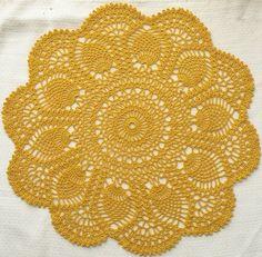 Beautiful Pineapple Doily: free pattern