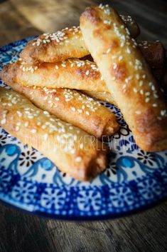 Koolhydraatarme Broodstaafjes - Low Carb Bread Sticks - Pure and Delicious according to Mandy Low Carb Dinner Recipes, Cooking Recipes, Carb Free Bread, Healthy Recepies, Healthy Tips, Fat Burning Foods, High Tea, Good Food, Lchf