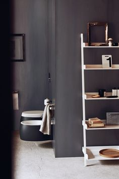 Shades of dusky grey... Pear 2 sanitary wares by @Patricia_Urquiola, Mach accessories by Konstantin Grcic and Stairs and Ritz extra by Benedini Associati. Learn more on agapedesign.it #agapedesign #interior #design #bathroom