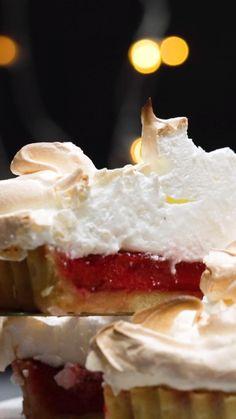 Tasty Videos, Food Videos, Cheesy Recipes, Sweet Recipes, Buzzfeed Tasty, Good Food, Yummy Food, Tiny Food, Cheesecake