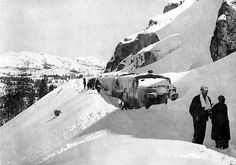 Donner Pass, Southern Pacific train.  Southern Pacific Railroad's passenger train City of San Francisco was en route westbound through the gap when a raging blizzard slowed the train to a halt. The passengers and crew were stranded for three days until the nearby highway could be plowed enough for a caravan of automobiles to carry them the few miles to Nyack Lodge.