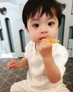 Cute Asian Babies, Korean Babies, Cute Babies, Cute Baby Boy, Cute Kids, My Children, Kids Boys, Breastfeeding Photos, Ulzzang Kids