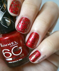 Glitter and Nails: glitter Christmas inspired nails.