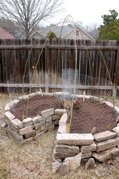 Building a Composting keyhole garden