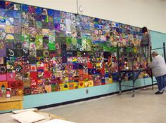 Twinfield School: Exploring Place through Art the global peace tiles project: building bonds between people & communities through art Group Art Projects, Collaborative Art Projects, Tile Projects, School Art Projects, Tile Murals, Mural Art, School Murals, Art School, School Cafe