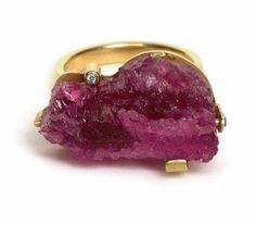 From Pieces of Eight Blogspot...Tourmaline and Diamond ring