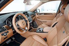 Preparadoras e divisões de alto desempenho têm uma importante missão: deixar os carros premium ainda mais nervosos e exclusivos. Essa é a Mercedes GLS 63 feita pela Brabus. Conheça outras cinco.