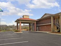 Days Inn Asheville North (**) MARIA OSVALDINA MITE CRUZ has just reviewed the hotel Days Inn Asheville North in Asheville - United States of America #Hotel #Asheville http://www.cooneelee.com/en/hotel/United-States-of-America/Asheville/Days-Inn-Asheville-North/1732187
