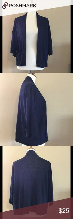 LOFT SZ M Navy Blue Open Drape Cardigan 100% Linen Ann Taylor LOFT linen women's size medium navy blue cropped open drape cardigan. Top has 3/4 wide arm sleeves, is a great transitional layering piece as we head into fall. Fast shipping - same or next business day. Thanks!   Measurements  Armpit to armpit: 23 inches  Length: 22 inches LOFT Tops