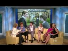 Robert Pattinson & Emilie de Ravin on The View - Love Scenes Talks ( March 2, 2010) - YouTube