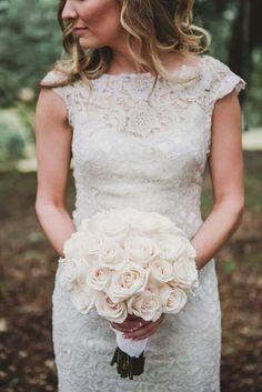 Bouquet rond de rose blanche... ...