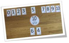 """Voici des ateliers et cartes pour le travail sur le complément à 10 (addition) . Nous avons travaillé cette notion en fin de semaine ( en lien avec la page 5 du cahier """"Je réussis mes calculs Jocatop"""" . ( ré..."""