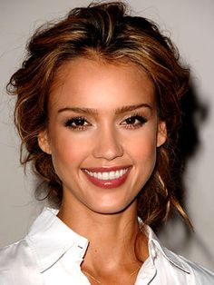 Messy-Updo-Jessica-Alba-Hairstyle_large.jpg 300×400 pixels