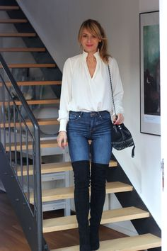 Nowshine. Over 40 Fashion, Beauty and Lifestyle Blog. You don´t have to have youth to have style. Beauty. Positive Vibes. Yoga Mat und Running Shoes. Lipstick and Beachy Waves. Ü40. Overknee Boots, High Waist Jeans