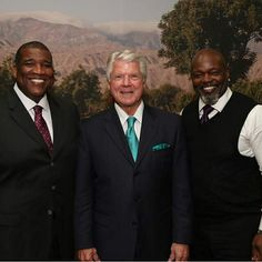 Good times yesterday speaking with Jimmy Johnson and Curt Menefee at the EY Strategic Growth Forum event out in Palm Desert. #SGFUS