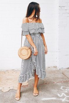 Most Trendy Summer Outfits To Upgrade Your Wardrobe 07 Off The Shoulder, Shoulder Dress, Brown Skin, Beauty Makeup, Nude, Ladies Dresses, Beautiful Clothes, Hacks