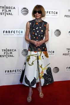Anna Wintour at 'The First Monday In May' World Premiere - Best Dressed at the Tribeca Film Festival 2016 Anna Wintor, Anna Wintour Style, Stockholm Street Style, Paris Street, Fashion Documentaries, Milan Fashion Weeks, London Fashion, Style Challenge, Anna Dello Russo