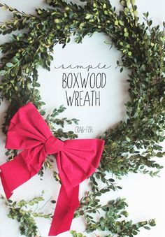 Simple Boxwood Wreath #DIY #Christmas | crab+fish