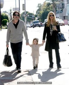 Pregnant Rachel Zoe walking in Beverly Hills with her husband Rodger Berman and their son Skyler See More Pic. http://www.icelebz.com/events/pregnant_rachel_zoe_walking_in_beverly_hills_with_her_husband_rodger_berman_and_their_son_skyler/