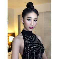 Chinesischer Ladyboy Salina