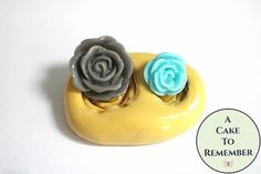 A mini mold made from food grade silicone, with two small roses that are sized well for cake pops or cookie decorations. Cookie Tutorials, Mini Roses, Fondant Molds, Small Rose, Mold Making, Cute Cakes, Royal Icing, Food Grade, Cookie Decorating