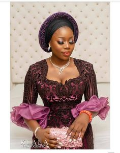 Latest African Fashion Dresses, African Dresses For Women, African Print Fashion, African Attire, African Fashion Traditional, African Lace Styles, African Blouses, Lace Dress Styles, Nigerian Bride