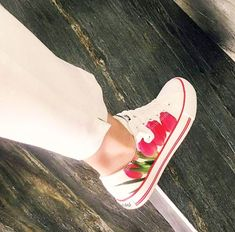 In fashion's steps! Welcome summer 🌞 Thank you for this amazing photo DG Concept! Welcome Summer, Summer Collection, Netherlands, Cool Photos, Vans, Slip On, Concept, Amazing, Sneakers