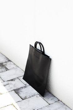 Minimal Bag - chic minimalistic style // Building Block