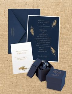 Be bold with foil print and dark shades - Perfect for fall or winter weddings! #wedding #invitations