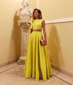 Beautiful wedding guest dress summer classy chic looks Mustard long dress out Black Tie Wedding Guest Dress, Black Tie Wedding Guests, Formal Wedding Guests, Best Wedding Guest Dresses, Wedding Guest Style, Dress Wedding, Wedding Guest Outfit Formal, Backless Wedding, Modest Wedding