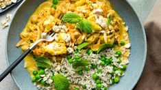 Recipe: Roasted cauliflower coconut korma with cashews and brown rice - My Food Bag Asian Home Gourmet, Black Mustard Seeds, Roasted Cashews, Frozen Peas, Roasted Cauliflower, Brown Rice, Dinner Tonight
