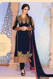 405690 Blue color family Party Wear Salwar Kameez in Net fabric with Machine Embroidery, Patch, Border, Thread work. Designer Salwar Kameez, Wedding Salwar Kameez, Indian Dresses, Indian Outfits, Simple Dresses, Formal Dresses, Party Kleidung, Churidar Suits, Anarkali Suits