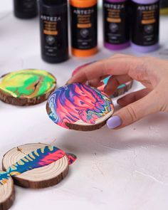 Diy ornaments 629518854148939211 - This high-flow paint has the right ratio of pouring medium so you don't need to worry about prepping & mixing. Includes metallic, neon, and pastel pouring acrylic colors for a variety of fluid art. Diy Crafts Videos, Home Crafts, Fun Crafts, Arts And Crafts, Creative Crafts, Easter Crafts, Acrylic Pouring Art, Acrylic Art, Acrylic Colors