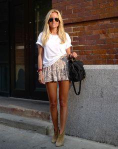 bronzed legs n cute shorts CAN YOU SAY SUMMAAAA