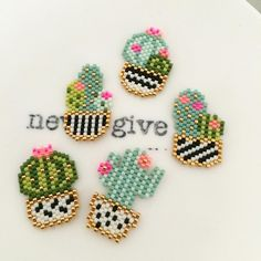 Les nouveaux kits en direct du stand du added to our site quickly. I share very enjoyable designs and ideas about Les nouveaux kits en direct du stand du . Peyote Stitch Patterns, Hama Beads Patterns, Seed Bead Patterns, Bracelet Patterns, Beading Patterns, Seed Bead Tutorials, Seed Bead Projects, Beading Tutorials, Seed Bead Jewelry
