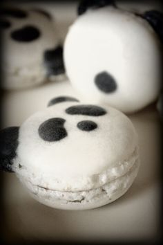 Macarons, Panda Party, Cakes And More, Minion, Latte, Biscuits, Food And Drink, Dessert Recipes, Yummy Food