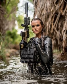 Top 50 Military Busty Girls's Beautiful Wallpapers of 2019 Female Marines, Female Soldier, Army Soldier, Top Photos, Girl Photos, Girl Pictures, Arte Do Sistema Solar, Airsoft, Military Women