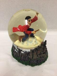 Harry Potter Quidditch Water Ball Hogwarts Snow Globe Enesco Warner Bros © 2000