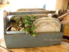 na-da farm life.with anne marie: kitchen caddy. Wooden Crates, Wooden Boxes, Flea Market Displays, Store Displays, Kitchen Caddy, Kitchen Art Prints, Dish Display, Primitive Kitchen, Home Decor Pictures